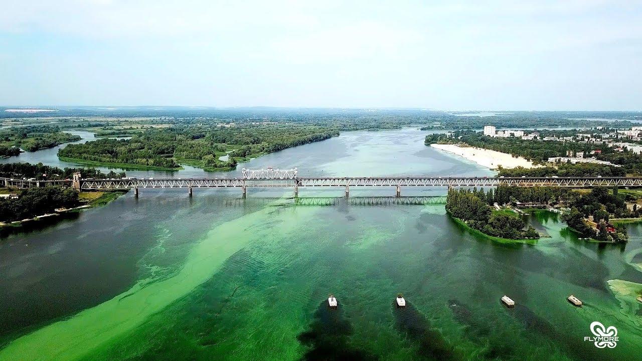 Фосфати та пестициди вбивають Дніпро: екоактивісти визнали стан річки катастрофічним